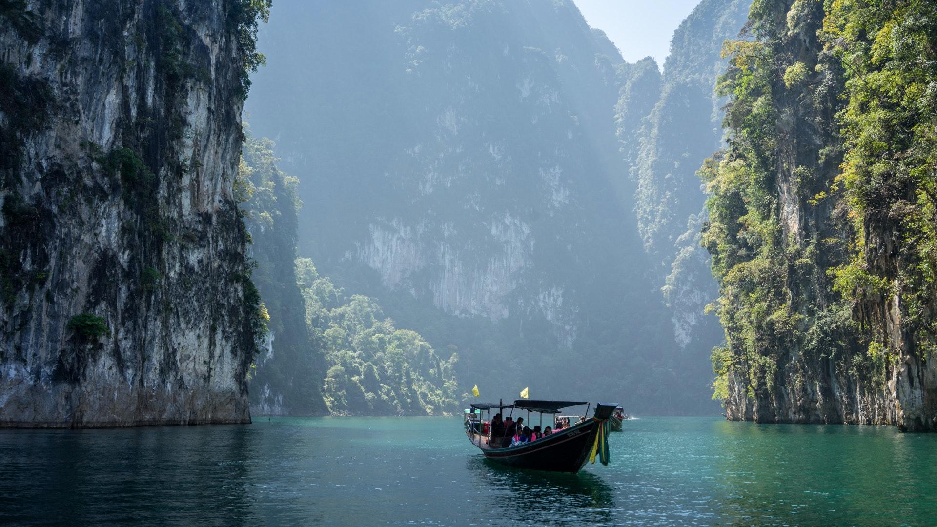 Singapore & Vietnam Tour Packages